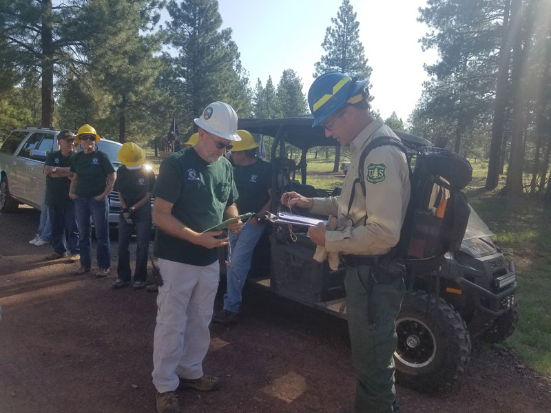 MUTS and Forest Service getting organized for the day.