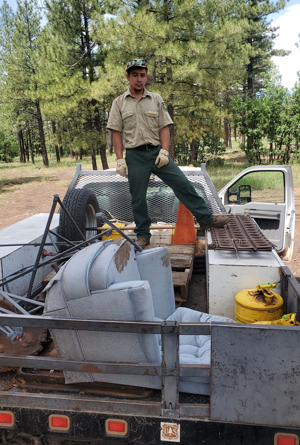 Trash picked up near Horse Park by MUTS and the Forest Service